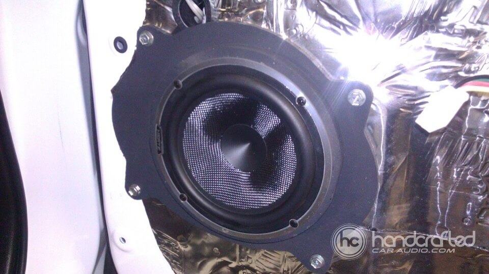 2011 Toyota Tundra Gets New Front Speakers And Custom